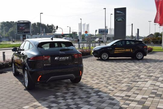 Dodeljena-Jaguar-E-pace-vozila-dobitnicima-nagradne-igre-Rusija-te-zove-3