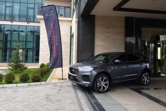 British-Motors-na-jubilarnom-XV-Forumu-hotelijera-2
