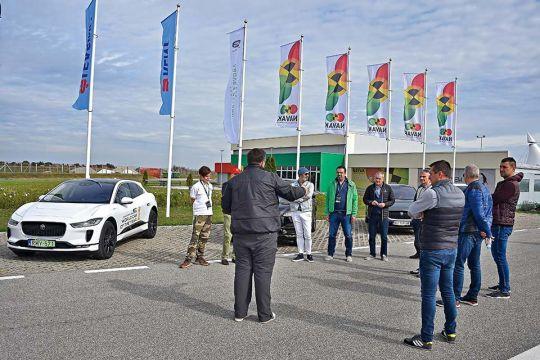 Predstavljen-novi-potpuno-električni-Jaguar-I-PACE-10