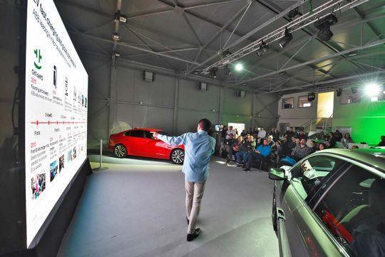 Predstavljen-novi-potpuno-električni-Jaguar-I-PACE-126