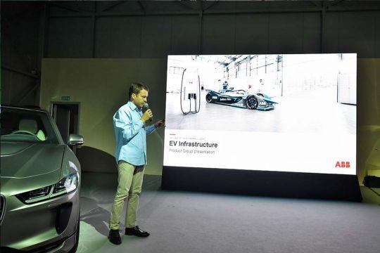 Predstavljen-novi-potpuno-električni-Jaguar-I-PACE-127