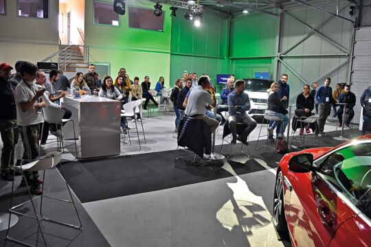Predstavljen-novi-potpuno-električni-Jaguar-I-PACE-13
