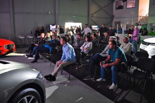 Predstavljen-novi-potpuno-električni-Jaguar-I-PACE-132