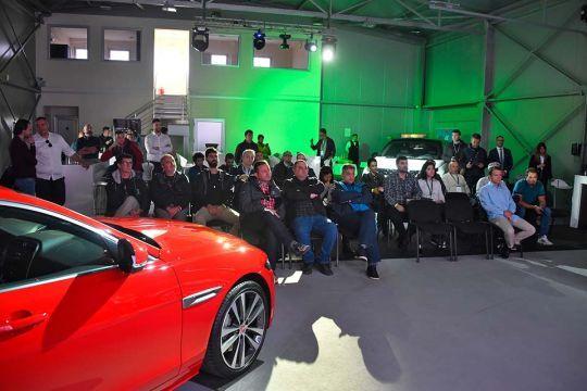 Predstavljen-novi-potpuno-električni-Jaguar-I-PACE-137
