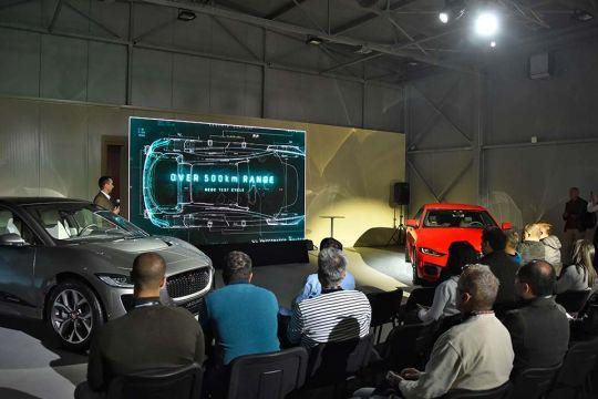 Predstavljen-novi-potpuno-električni-Jaguar-I-PACE-142