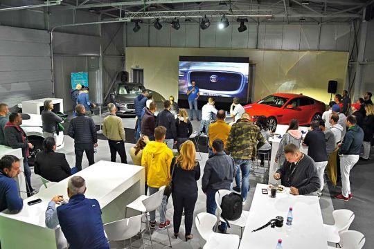 Predstavljen-novi-potpuno-električni-Jaguar-I-PACE-16