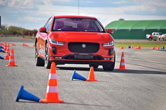 Predstavljen-novi-potpuno-električni-Jaguar-I-PACE-29