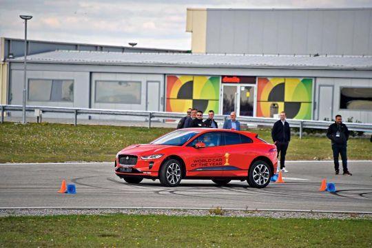 Predstavljen-novi-potpuno-električni-Jaguar-I-PACE-32