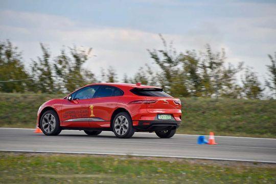 Predstavljen-novi-potpuno-električni-Jaguar-I-PACE-35