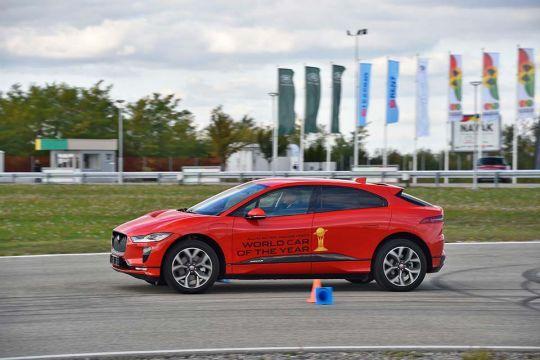 Predstavljen-novi-potpuno-električni-Jaguar-I-PACE-38