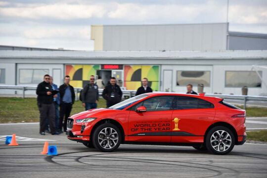 Predstavljen-novi-potpuno-električni-Jaguar-I-PACE-40