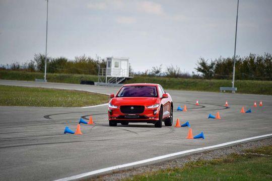 Predstavljen-novi-potpuno-električni-Jaguar-I-PACE-46